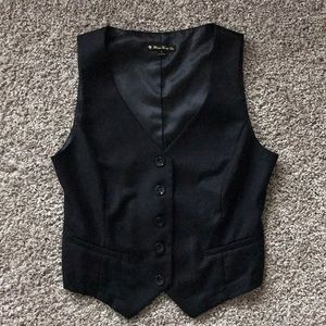 Cropped black vest